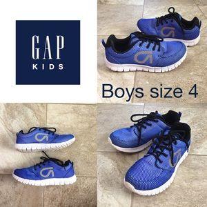 🔴GAP Kids Boys tennis shoes, size 4 🔴